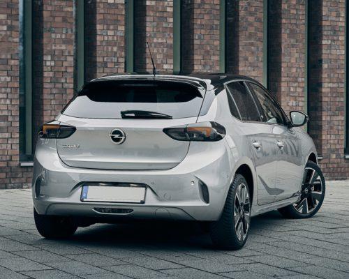 Phenix E-Auto Opel Silber Rückansicht